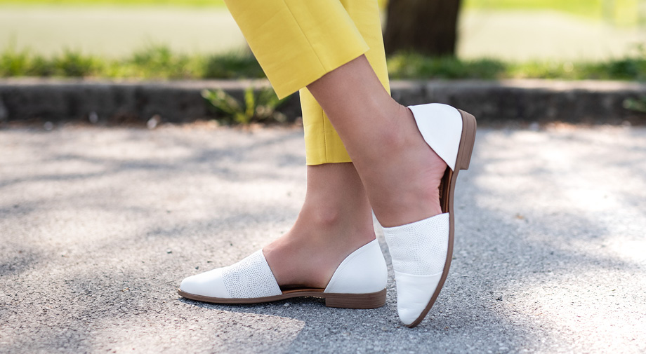 Na pohodu je hibridna obutev