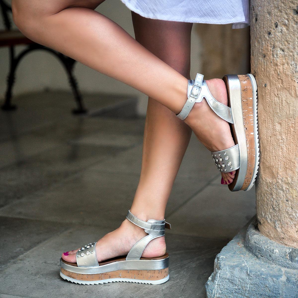 Maja: Na poroko v sandalih Inuovo