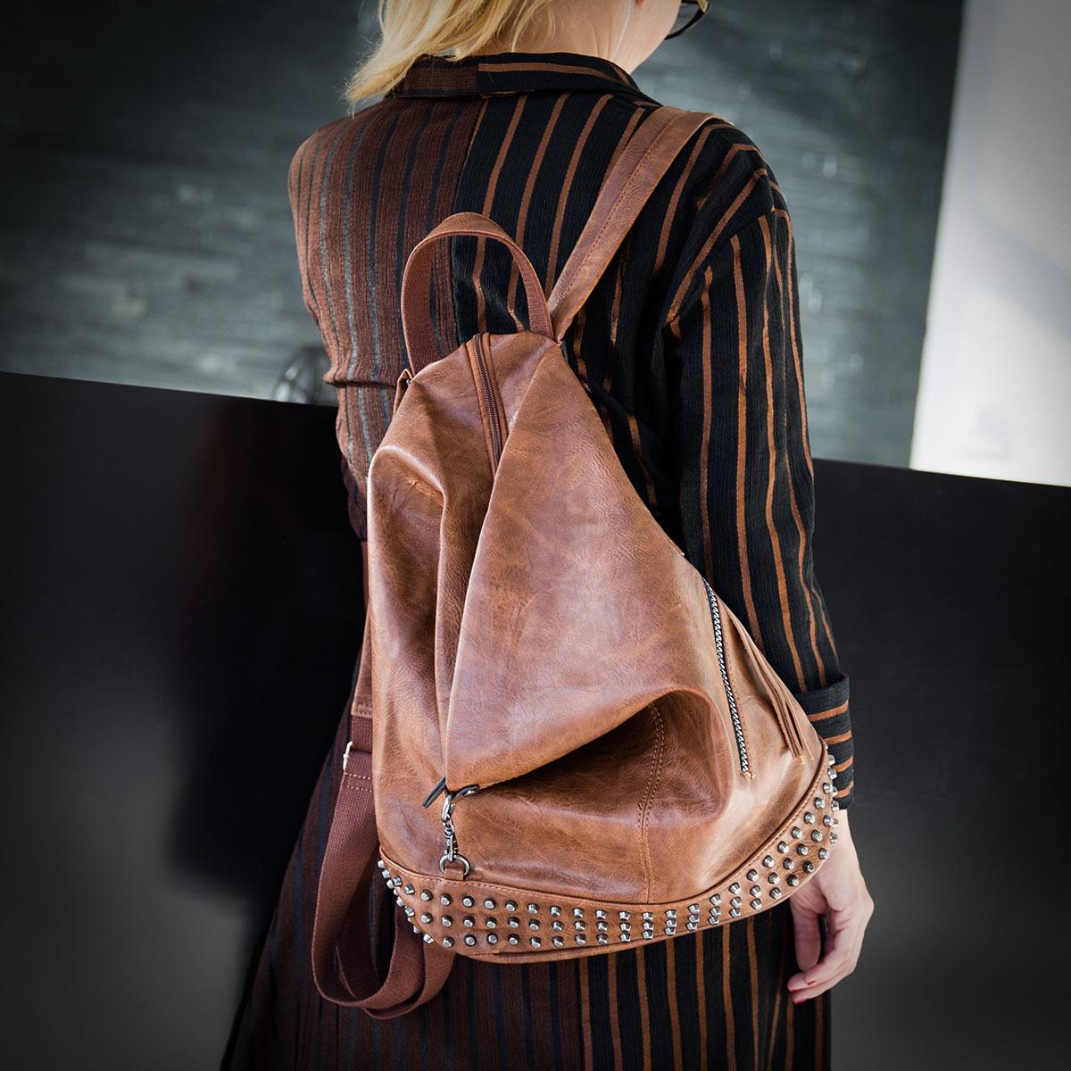 Maja: Podarjam torbico!